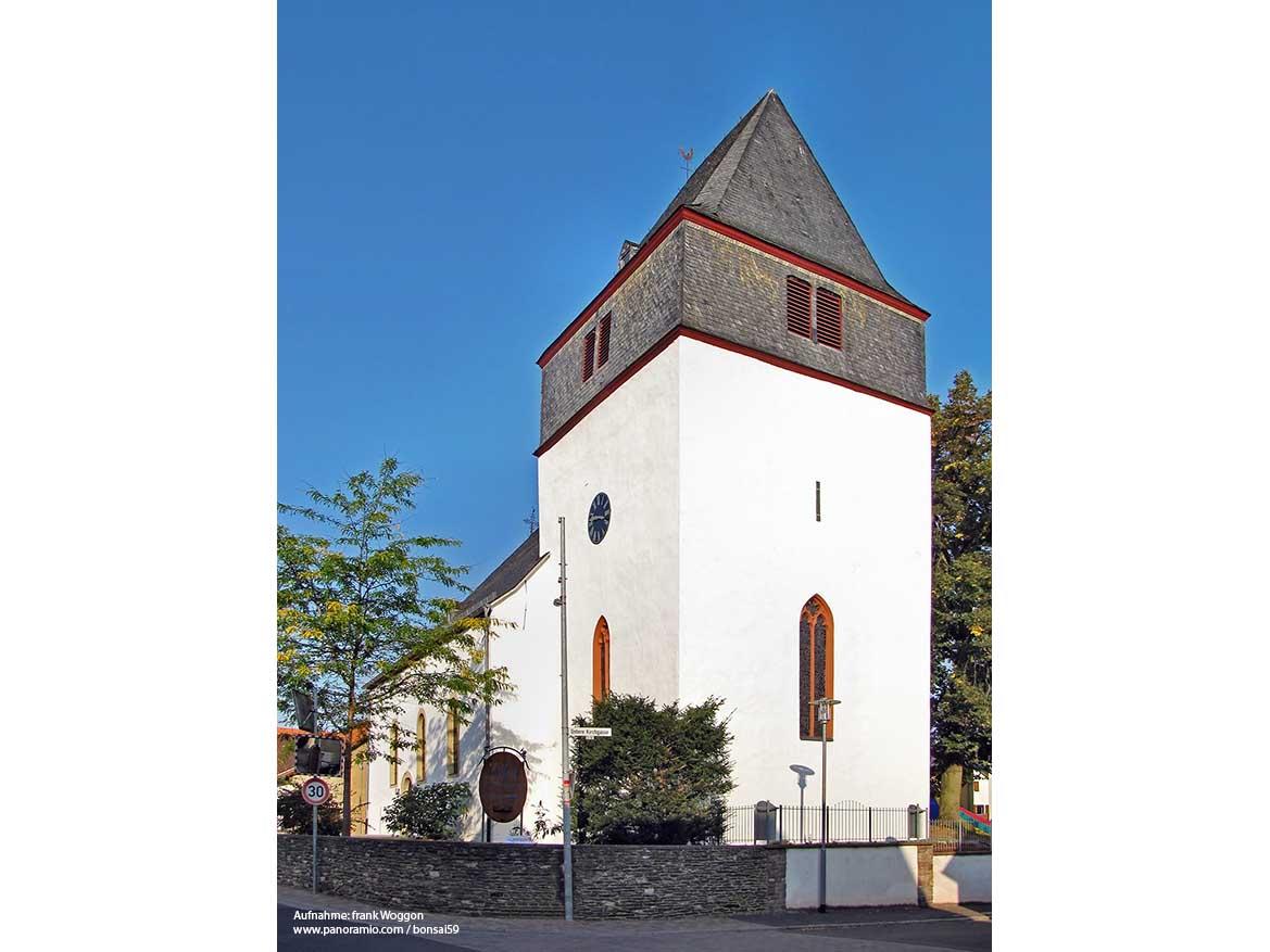 roxdorf_evangkirche.jpg